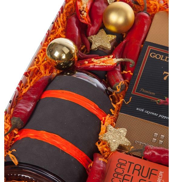 Подарочная коробка Very hot (Коньяк в подарок) – фото № 2