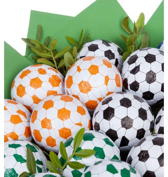 Букет из шоколадных мячей Футбол – фото № 5