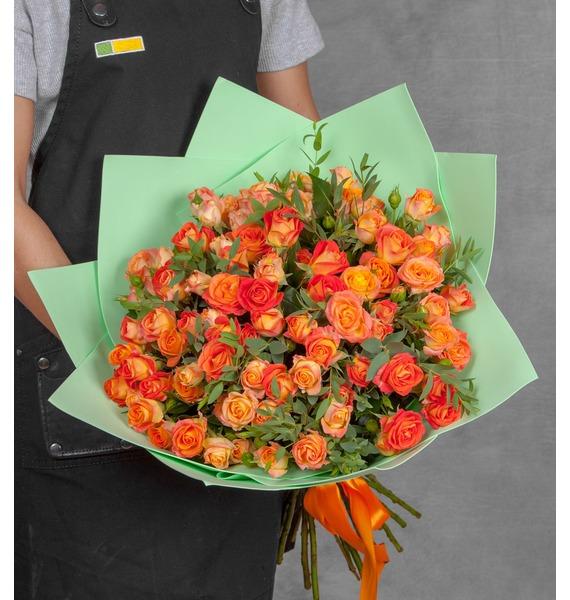 Букет кустовых роз Fiesta Bubbles (15,25 или 51) цена в Москве и Питере