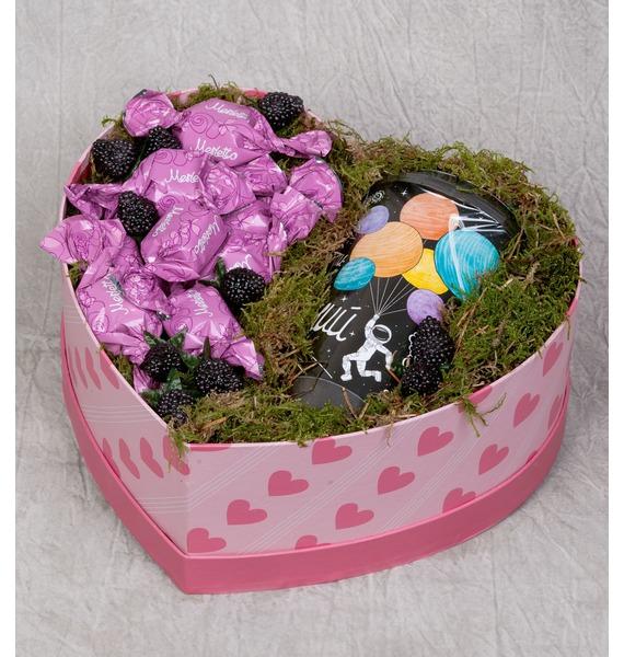 Подарочная коробка Горячее сердце коробка подарочная совы на белом 19 12 5 8см картон kairui 13 kairui hz 907m