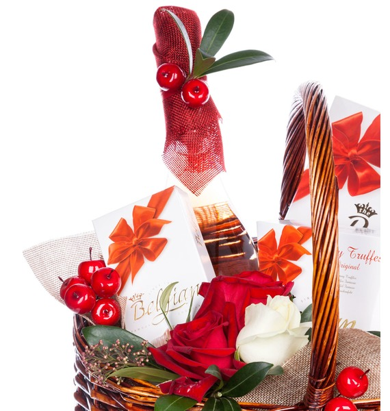 Подарочная корзина Горячее сердце (Вино в подарок) – фото № 2