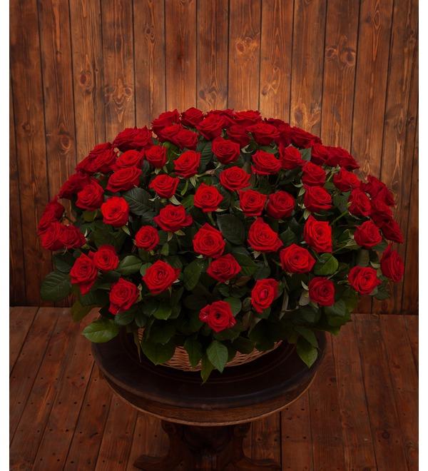 Композиция Пурпурный сонет (51, 101 или 151 роза) – фото № 1