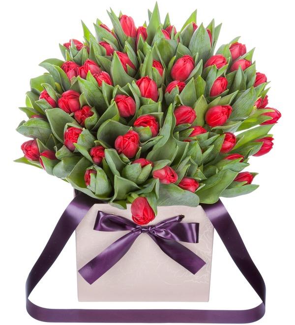 Пионовидные тюльпаны Largo в вазе – фото № 1