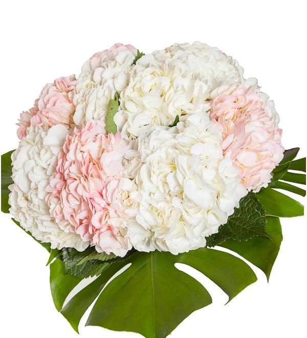 Bouquet of multi-colored hydrangeas (9, 13 or 25) – photo #3