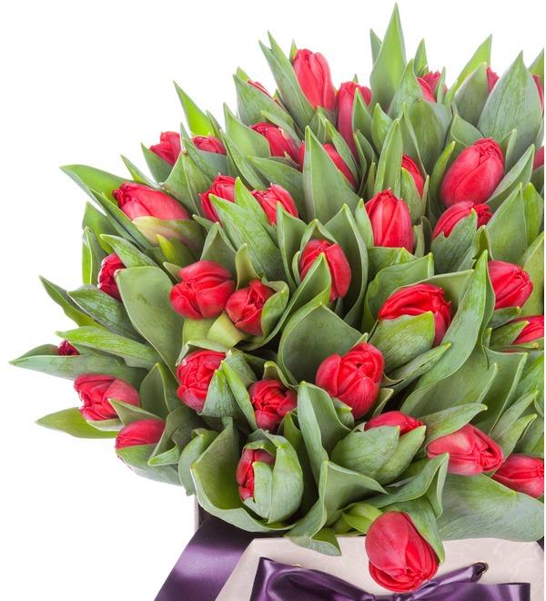 Пионовидные тюльпаны Largo в вазе – фото № 2