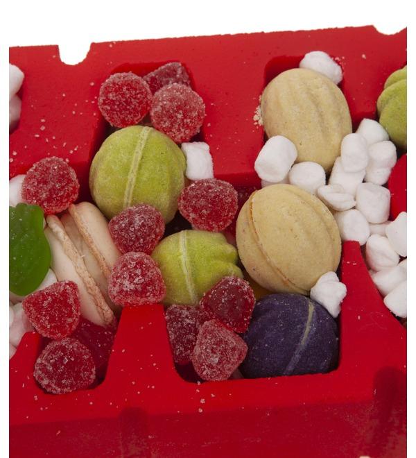 Композиция из сладостей Люблю – фото № 2