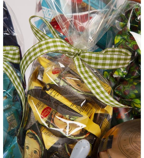 Подарочная корзина Любимые конфеты – фото № 2