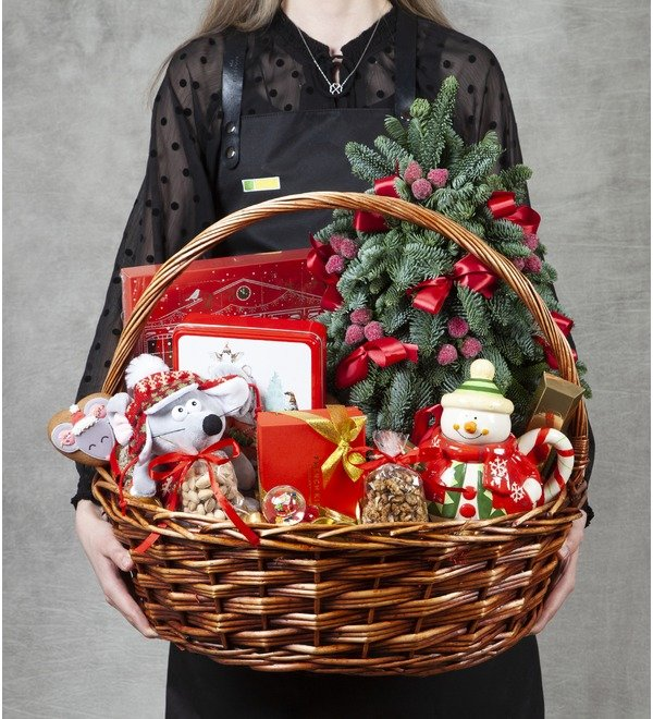 Подарочная корзина Подарки под ёлкой – фото № 1